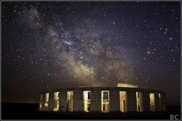 Небо. Ночь. Звезды. Стоунхендж. Старое фото