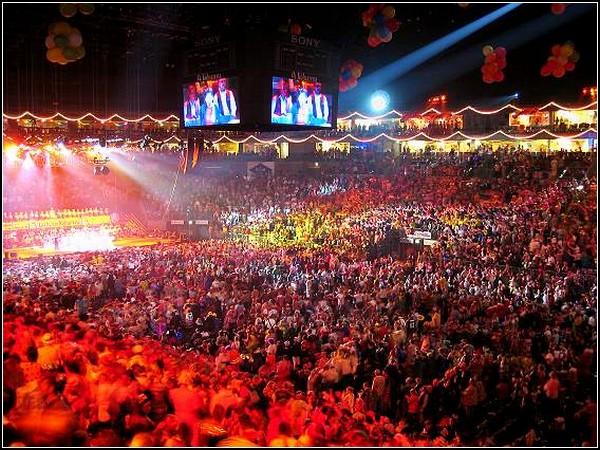 Грандиозный карнавал в Германии: оркестр