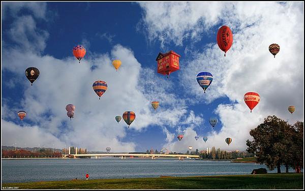 Небо в воздушных шарах
