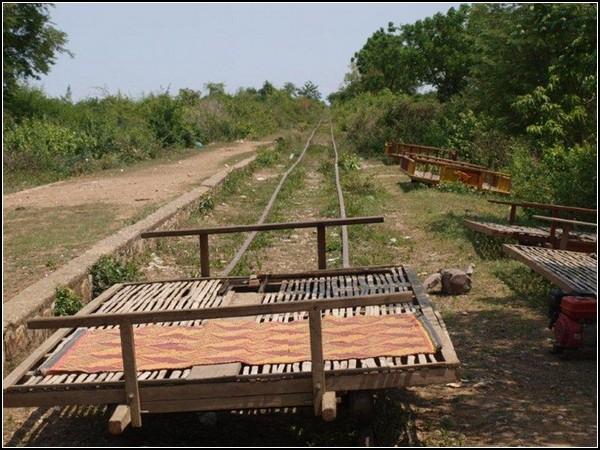 Туристический поезд из бамбука: дешево и сердито