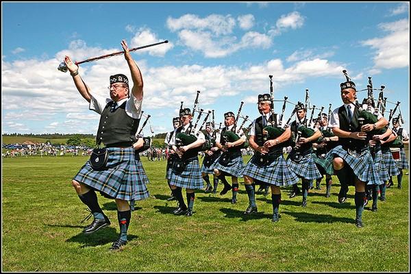 Игры горцев в Блэкфорде: нестареющие традиции Шотландии