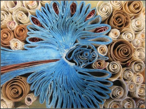Цветные страницы книг в скульптурах Брони Сойер