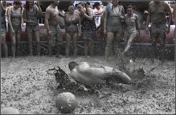 Игры грязнуль в Порёне