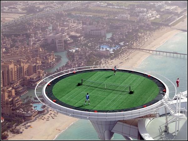Высокий теннис. Корт на вершине небоскреба  Бурдж аль-Араб