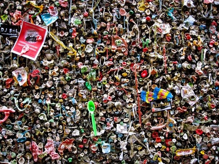 Самая грязная улица в мире: жевописное зрелище