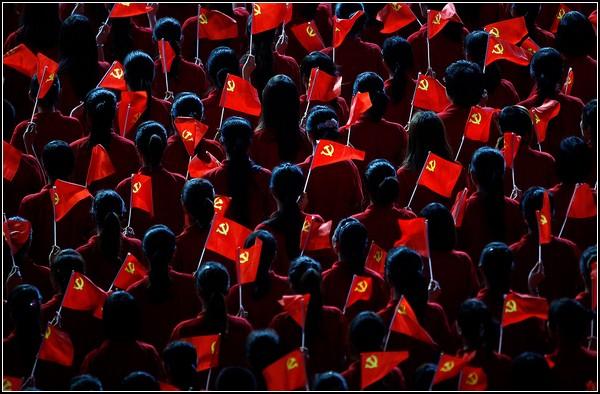 Танцоры на Мерседес-Бенц-Арене в Шанхае
