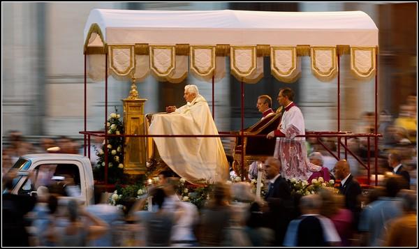 Римский Папа в Праздник Тела Христова