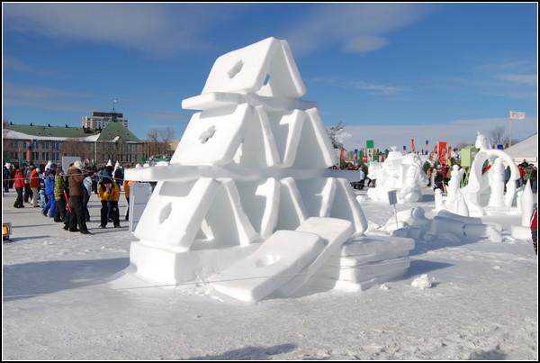 Праздник снеговика в Квебеке: строим домик