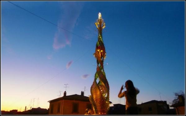 Небесный цветок: колоссальная скульптура во имя Розы