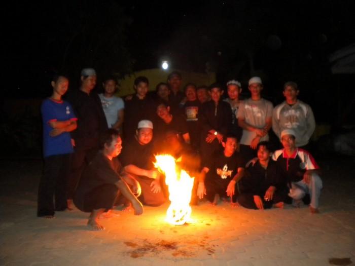 Фаербол для футбола: игра с огнем по-индонезийски