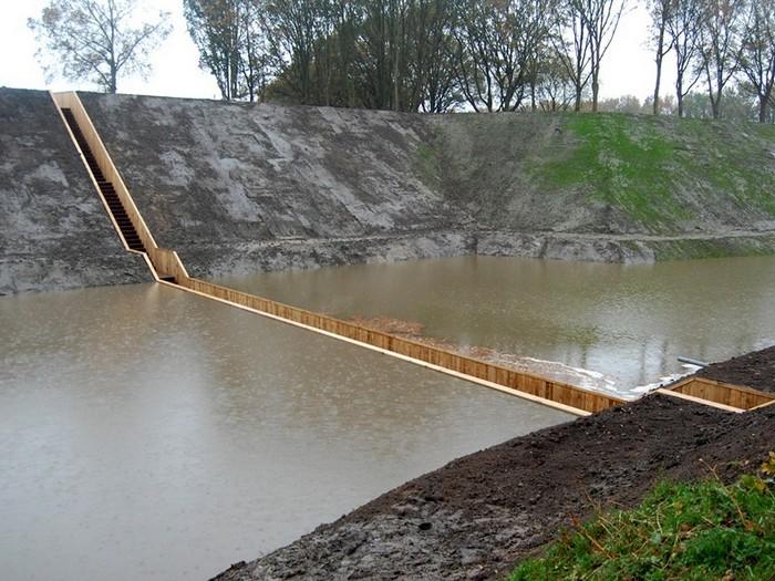 Мост под водой в Голландии: по стопам Моисея