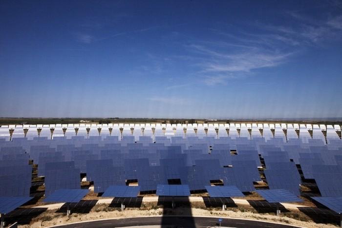Солнечная станция рядом с Севильей