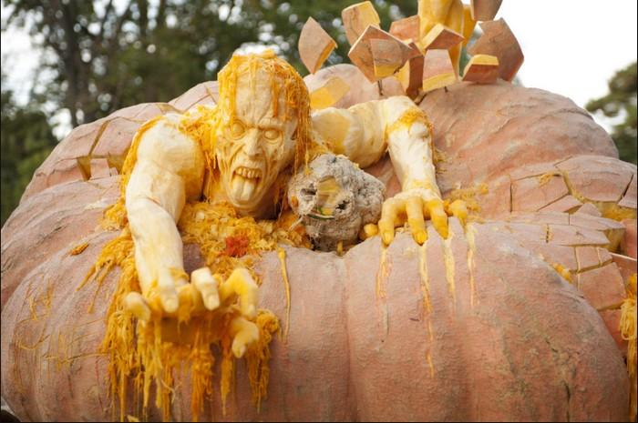 Самая большая и самая крутая тыква на Хэллоуин