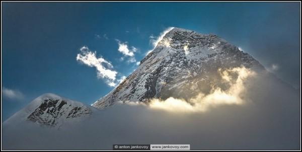 Горные пейзажи Антона Янкового: светлые вершины Непала
