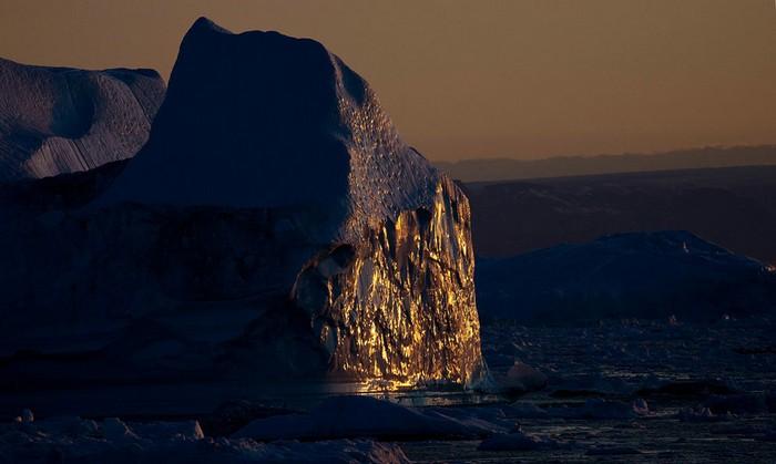 Остров Гренландия. Даже ледники иногда тают