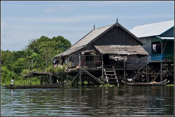 Неплавающий камбоджийский дом
