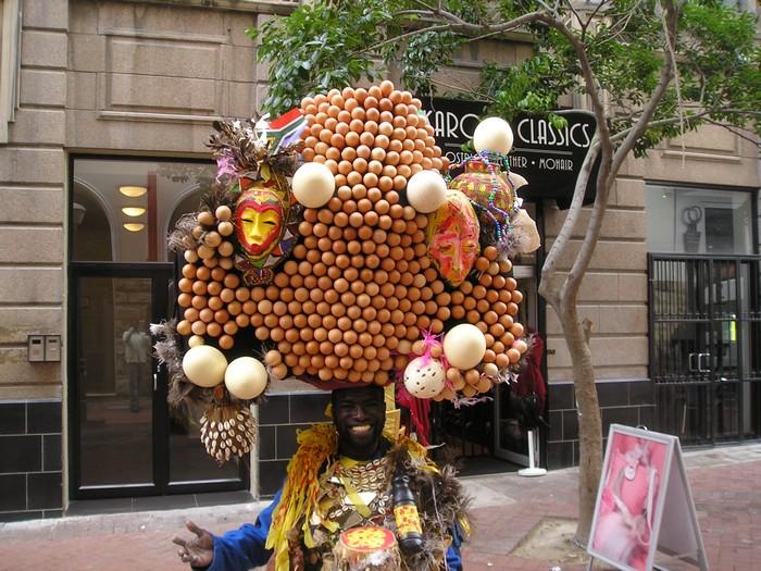 Безумный шляпник из Африки: Грегори да Сильва