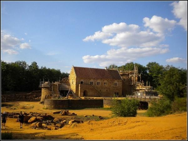 Замок Геделон - самый амбициозный проект реконструкторов средневековья в мире