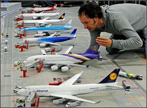 Самый большой аэропорт-миниатюра и его строитель