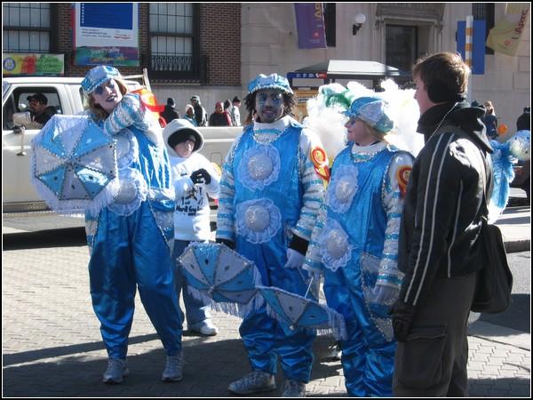 Люди и костюмы на Параде Лицедеев