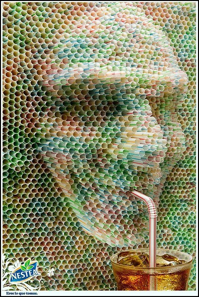 Необыычная скульптура из соломинок в рекламе Nestea