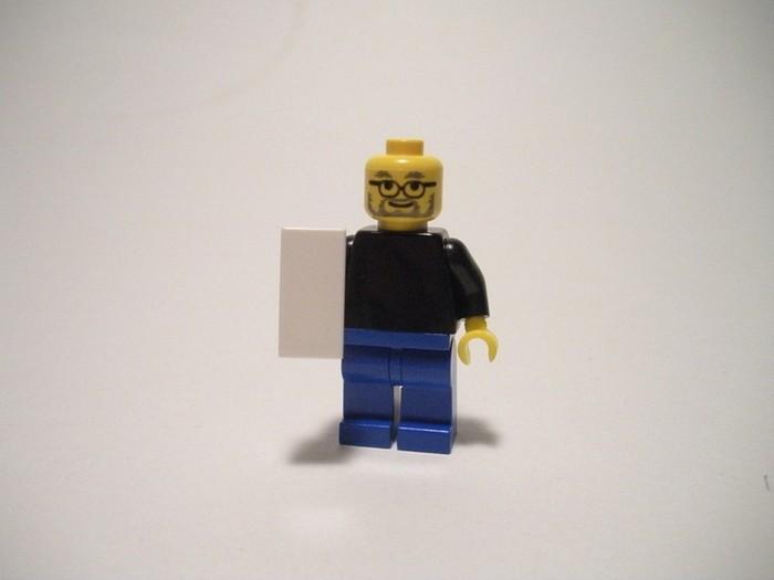 LEGO-человечки помянули Стива Джобса