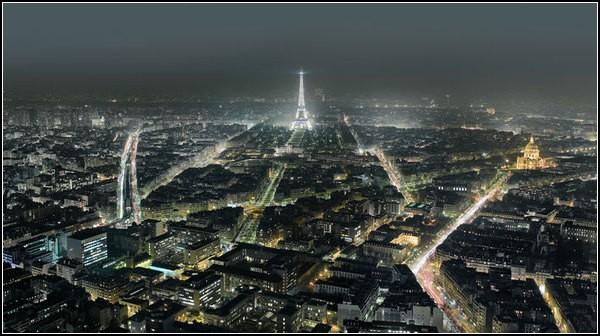 Огни ночного города: вид на Эйфелеву башню