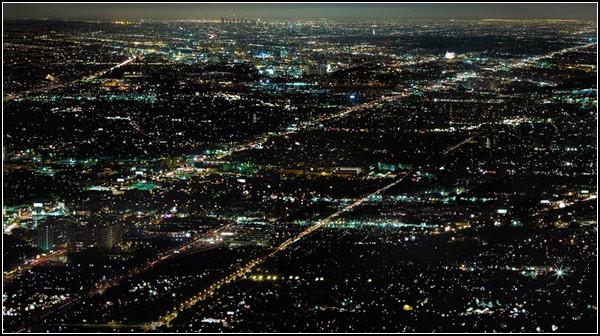 Огни ночного города: перед рассветом