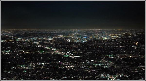 Огни ночного города: небо и земля