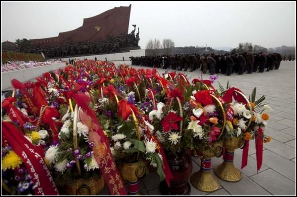 Фото Северной Кореи Дэвида Гуттенфельдера. Юбилей товарища Ким Ир Сена