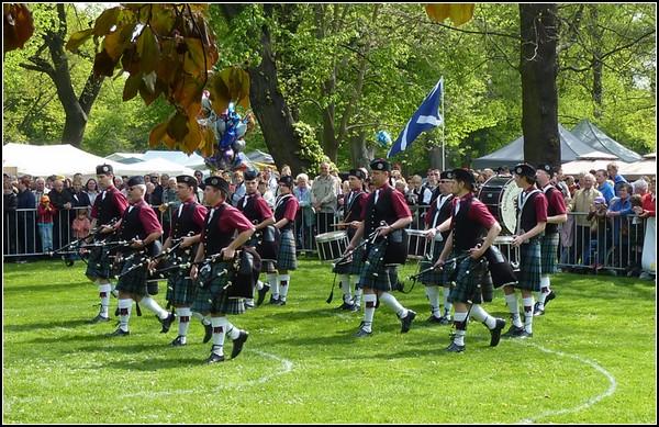 Традиции Шотландии: волынщики на Играх Горцев