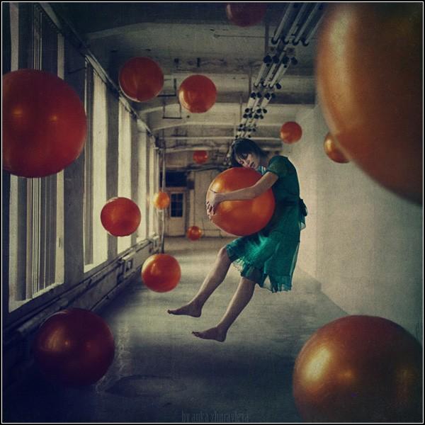 Полеты во сне и наяву. Фотокартины Анны Журавлевой