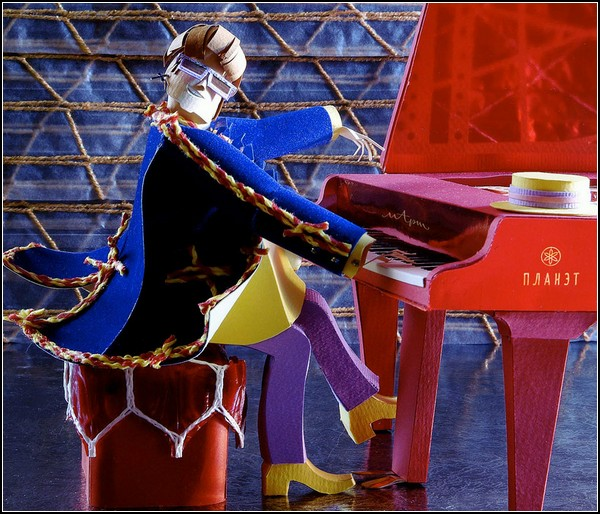 Великие музыканты из бумаги. Элтон Джон