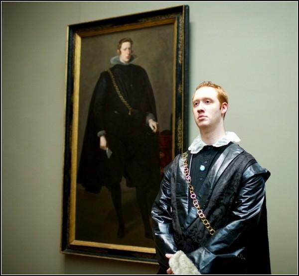Да здравствует король Филипп! Перфоманс в музее