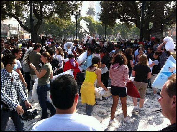 Бой подушками в Сан-Хосе: оценка последствий