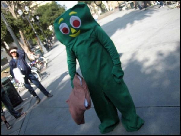 Бой подушками в Сан-Хосе: инопланетные войска