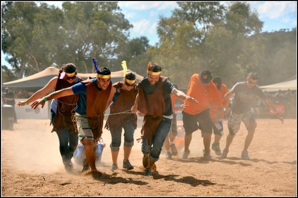Парусная регата посуху: гонки Henley-on-Todd в Австралии