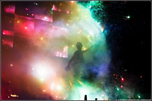 Огненный фестиваль в Киеве: пламя, музыка, танец. Фото elektraua.livejournal.com