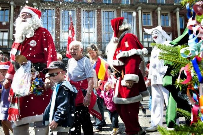 Чемпионат новогодних Санта-Клаусов в Замнауне