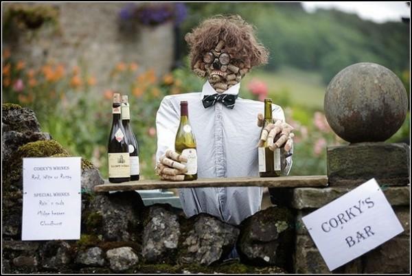 Фестиваль огородных пугал в Кетлвелле: пробковый бар