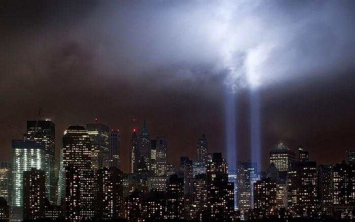 11 сентября. Америка. Мемориал в память жертв теракта