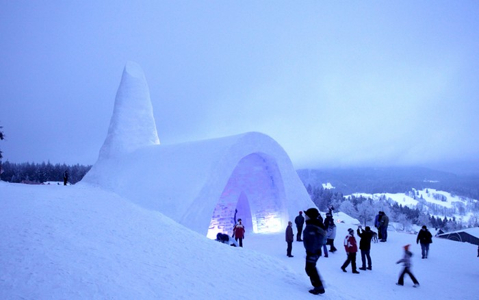 Снежный дом Бога: зимняя церковь в Баварии