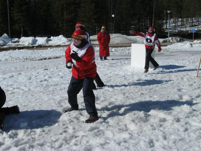 Игра в снежки захватывает мир