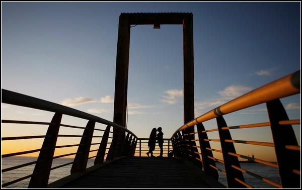 Поцелуй в день зимнего солнцестояния. Вальпараисо, Чили