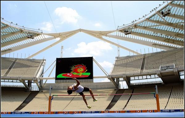 Специальная Олимпиада-2011. Чи Ип Фунг из Макао прыгает в высоту