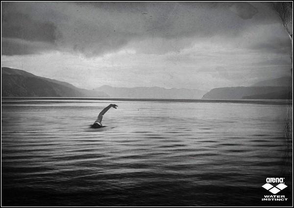 Необычный спорт: Лох-Несский пловец
