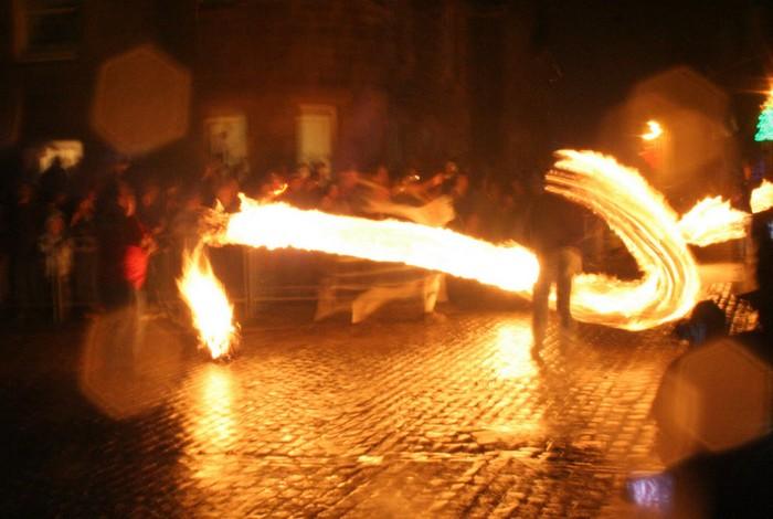Огненные шары Стоунхейвена: шотландский Новый Год