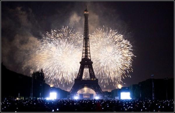 Летние фестивали-2011: салюты в Париже