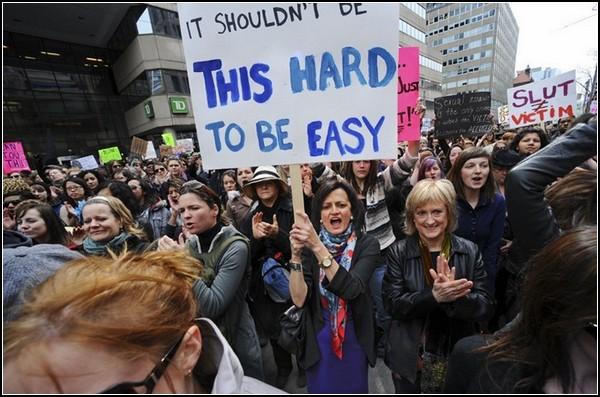 *Гулящие женщины* на улице: *Быть легким - сложно*