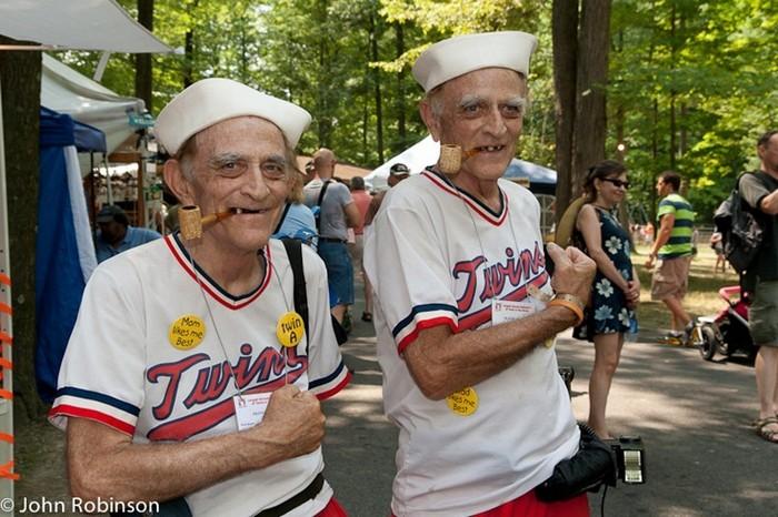 Форум близнецов в Твинзбурге, Огайо